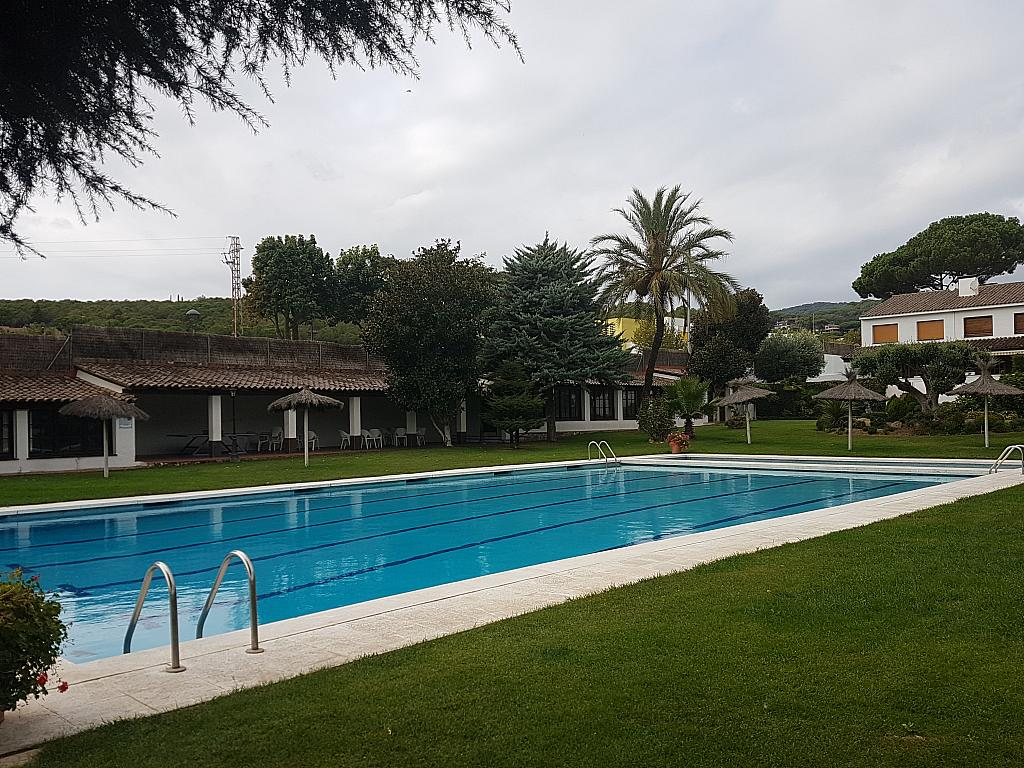Jardín - Casa adosada en alquiler en pasaje Esparragueres, Cabrils - 327647661