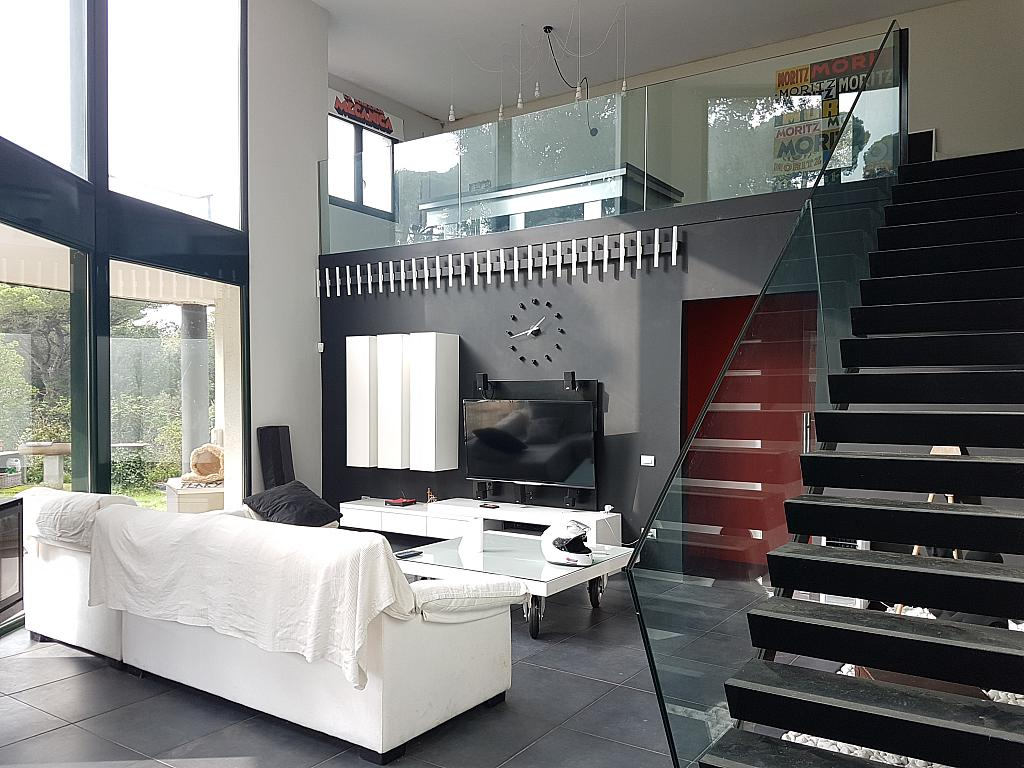 Salón - Casa en alquiler en calle Andalusia, Sant Cebrià de Vallalta - 339113764