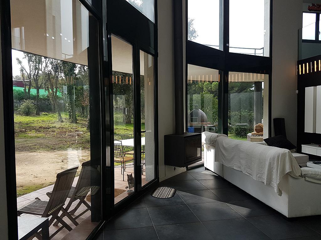 Salón - Casa en alquiler en calle Andalusia, Sant Cebrià de Vallalta - 339113767