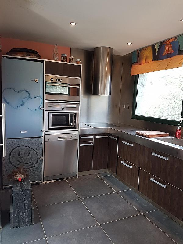 Cocina - Casa en alquiler en calle Andalusia, Sant Cebrià de Vallalta - 339113783