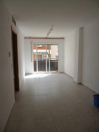 Piso en alquiler en calle Corralot, Montbrió del Camp - 299706663