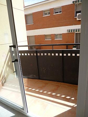 Piso en alquiler en calle Corralot, Montbrió del Camp - 299706671