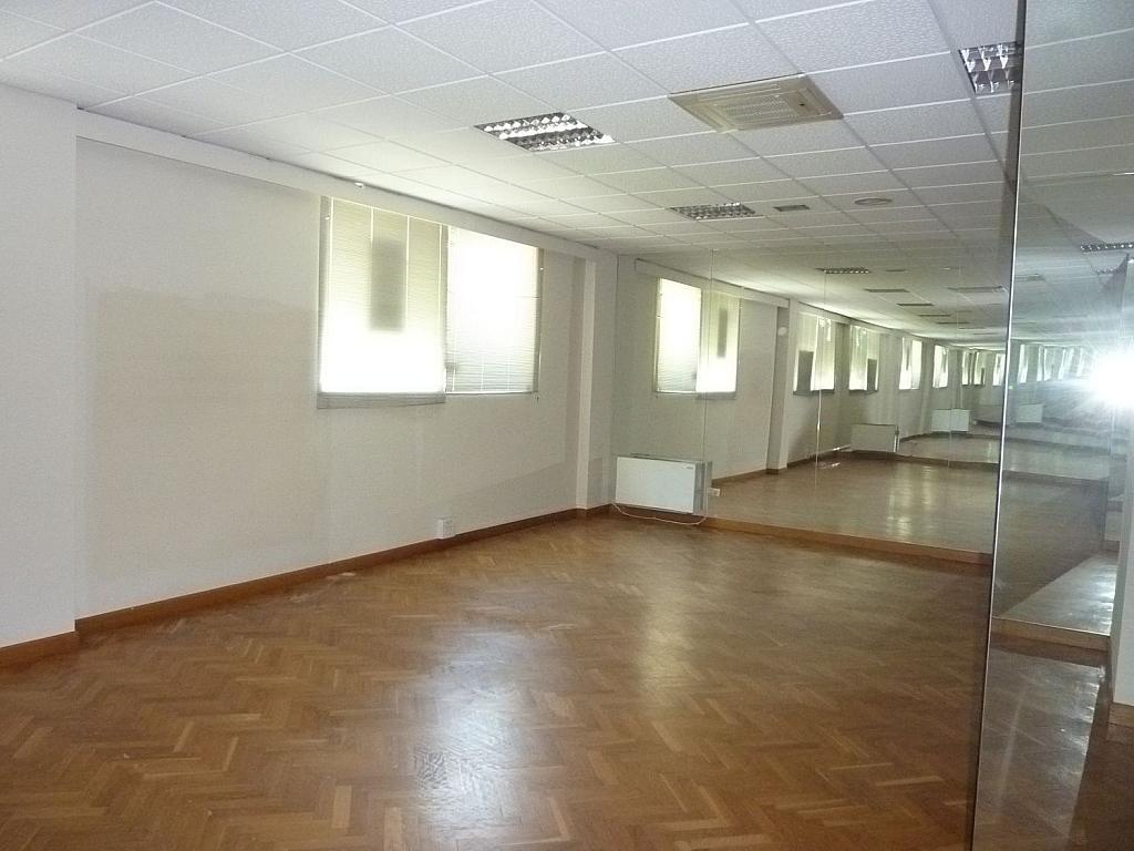 Local comercial en alquiler en calle De Luis Braille, Lugones - 345220120
