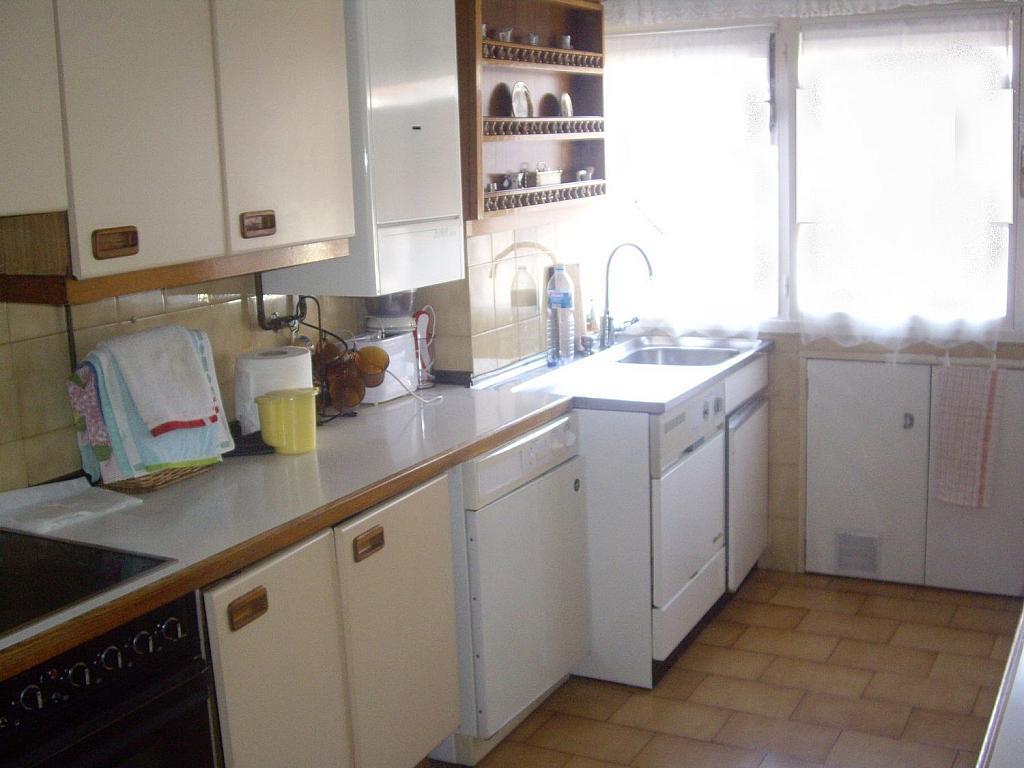 Piso en alquiler en calle Cangas de Onís, Laviada en Gijón - 358648360