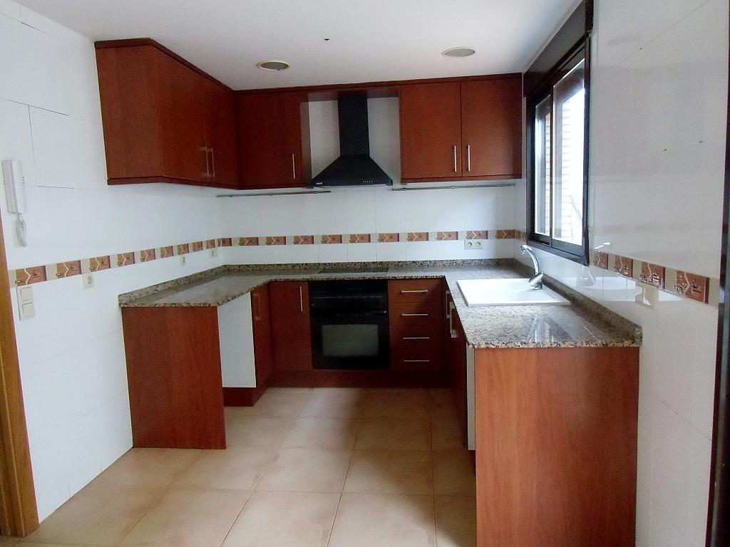 Casa adosada en alquiler en calle Cortes Valencianas, Eliana Pueblo en Eliana (l´) - 325295487