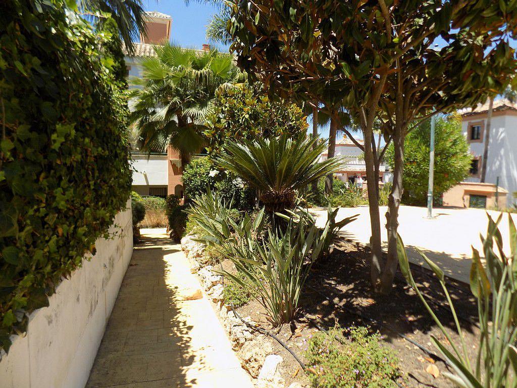 Foto 2 - Apartamento en alquiler de temporada en Estepona - 291046901