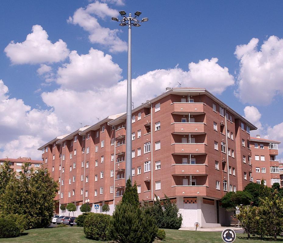 Local comercial en alquiler en calle Agustín Rodriguez Sahagún, Universidad en Ávila - 339692571
