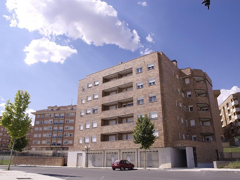 Local comercial en alquiler en calle Joaquin Rodrigo, Universidad en Ávila - 362203081