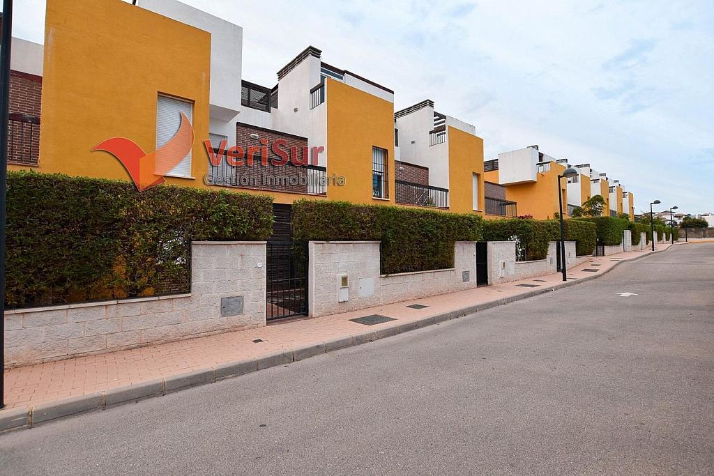 Casa adosada en alquiler en calle Giralda, Vera Pueblo en Vera - 362595058