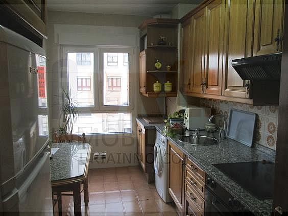 Piso en alquiler en calle San Mateo, San Lazaro-Otero-Villafría en Oviedo - 312953082