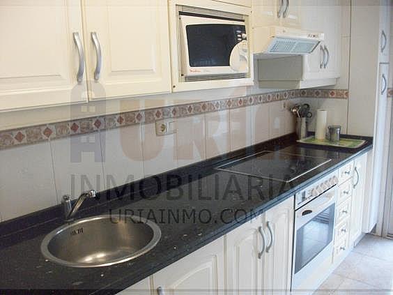Piso en alquiler en calle Alfonso Iii, Zona Teatro Campoamor en Oviedo - 321355288
