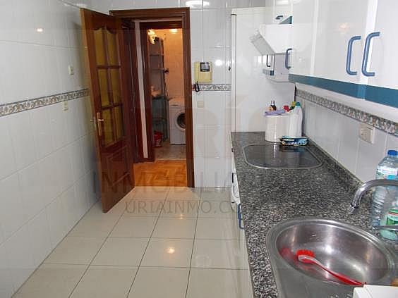 Piso en alquiler en calle Avellanos, Zona Teatro Campoamor en Oviedo - 330577306