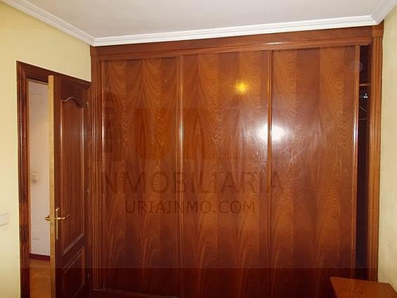 Piso en alquiler en calle Avellanos, Zona Teatro Campoamor en Oviedo - 330577336