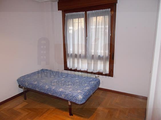 Piso en alquiler en calle Avellanos, Zona Teatro Campoamor en Oviedo - 330577357