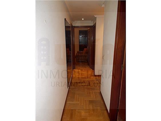 Piso en alquiler en calle Avellanos, Zona Teatro Campoamor en Oviedo - 330577372