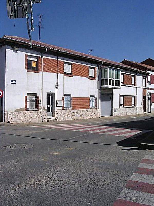 Piso en alquiler en Onzonilla - 359265234