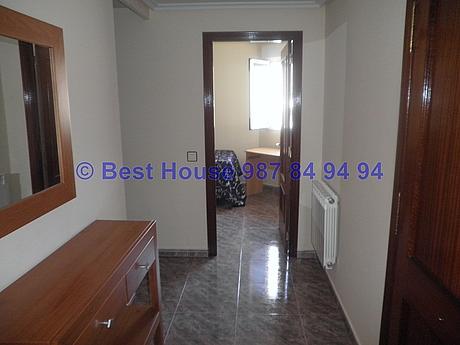 Foto - Apartamento en alquiler en calle La Virgen del Camino, Valverde de la Virgen - 351303930