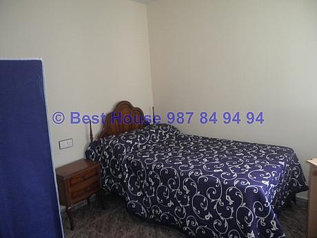 Foto - Apartamento en alquiler en calle La Virgen del Camino, Valverde de la Virgen - 351303945