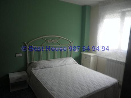 Foto - Apartamento en alquiler en calle La Virgen del Camino, Valverde de la Virgen - 351303951