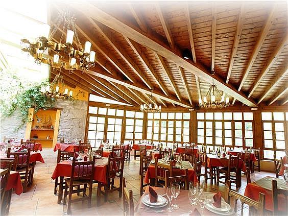 Hotel en alquiler en Ponga - 302400248