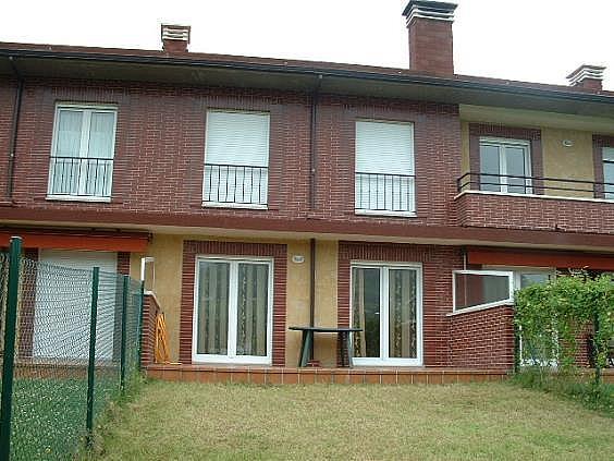 Casa en alquiler en Parres - 302407121