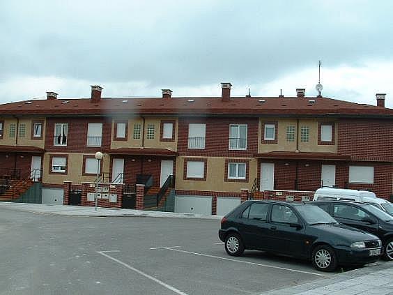 Casa en alquiler en Parres - 302407124