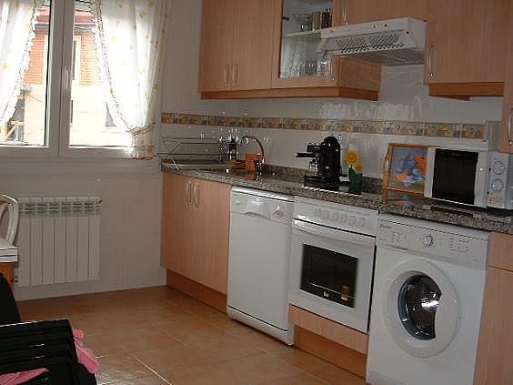 Casa en alquiler en Parres - 302407139