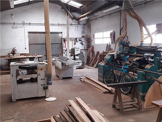 Nave industrial en alquiler en Parres - 308941939