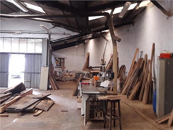 Nave industrial en alquiler en Parres - 308941942