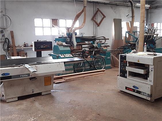 Nave industrial en alquiler en Parres - 308941954
