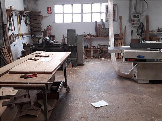 Nave industrial en alquiler en Parres - 308941981