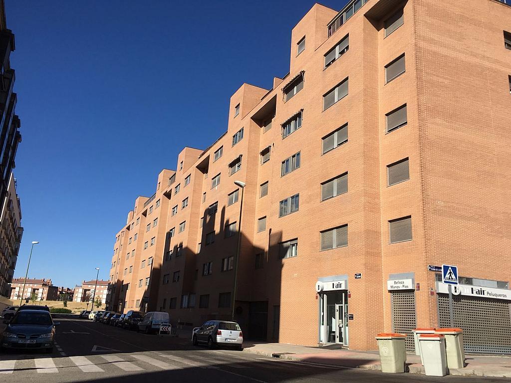 Local comercial en alquiler en calle San Juan de Ortega, Fuencarral-el pardo en Madrid - 341347236