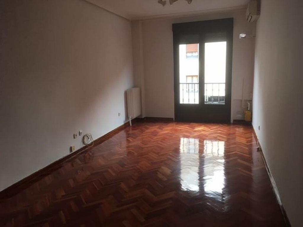Piso en alquiler en calle San Bernardo, Centro en Madrid - 325785246