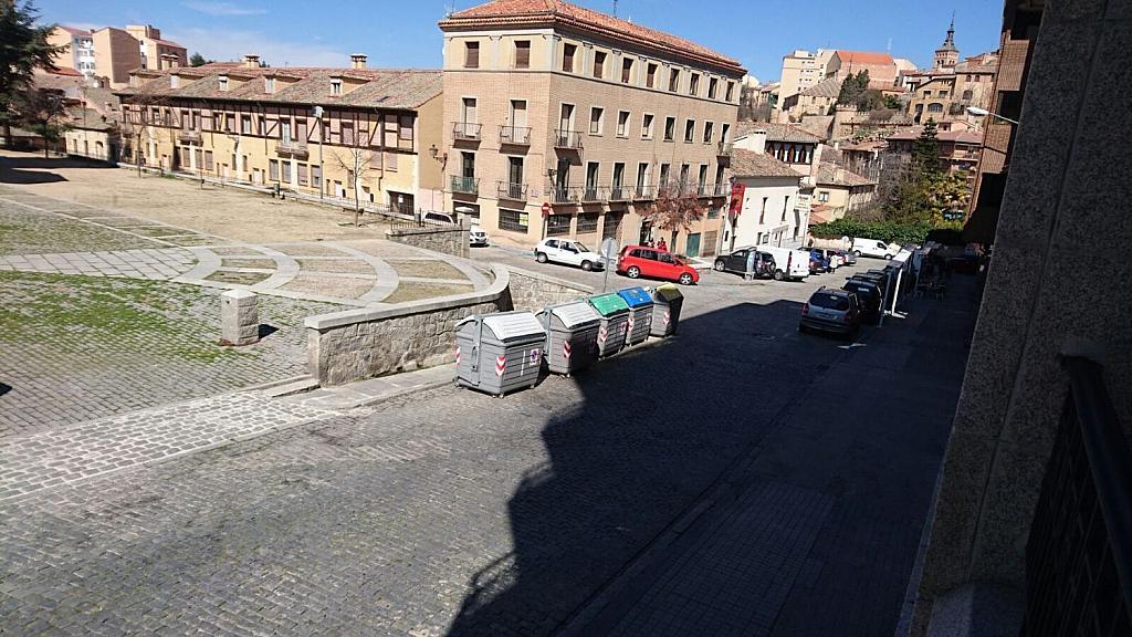 Piso en alquiler en calle Fernández Ladreda, Segovia - 358391499
