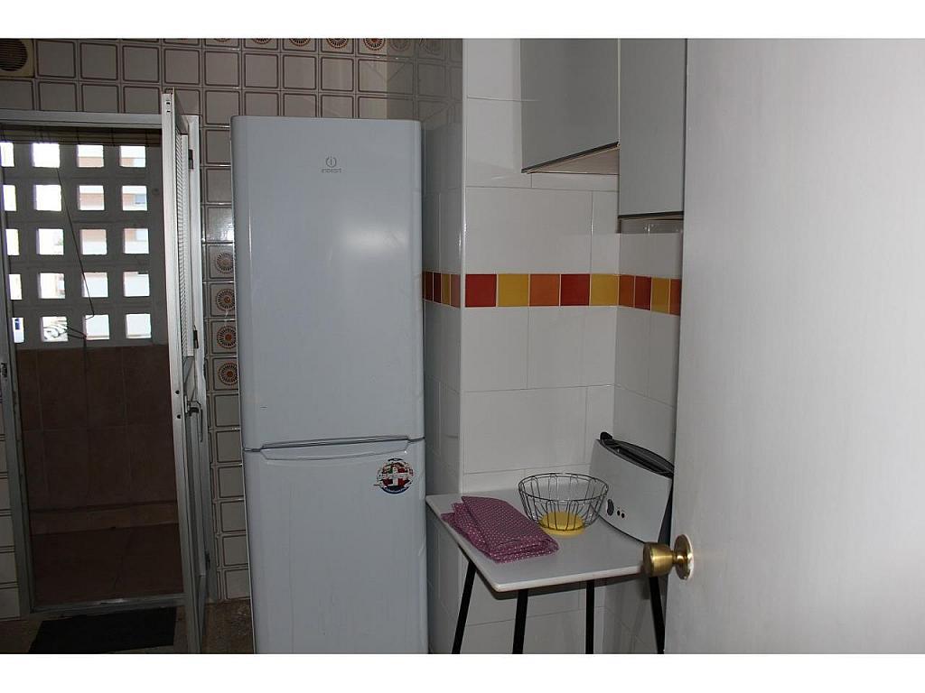 Piso en alquiler en calle Del Bachiller, Huelva - 331380433