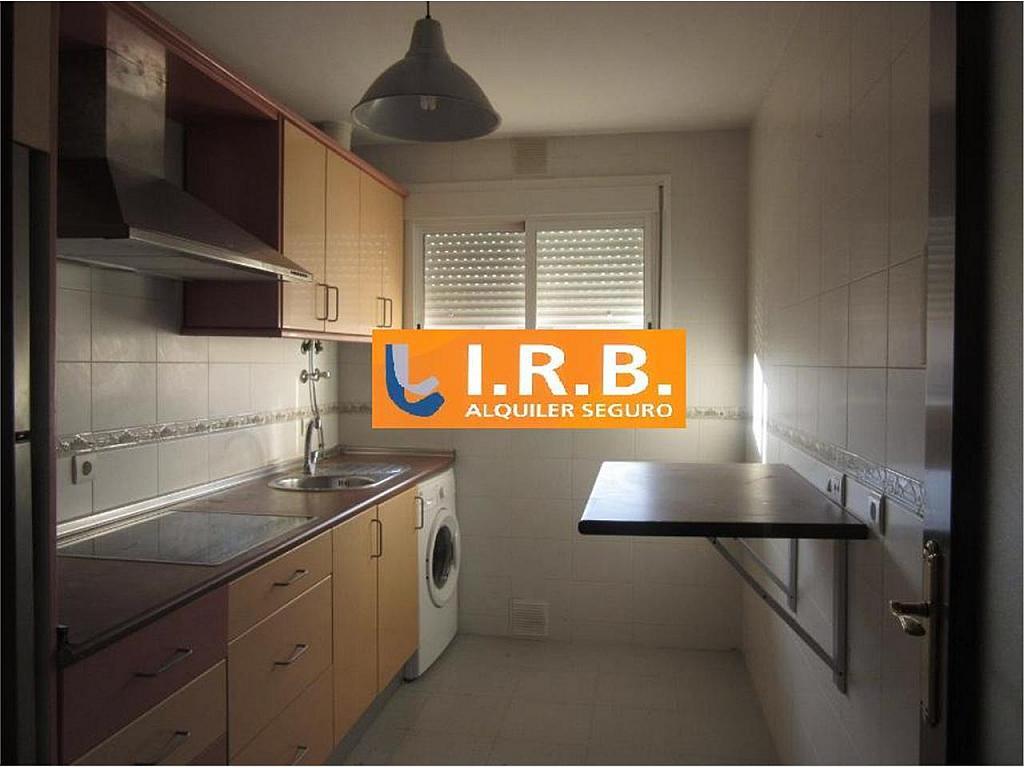 Piso en alquiler en calle Pablo Ruiz Picasso, Huelva - 328161380