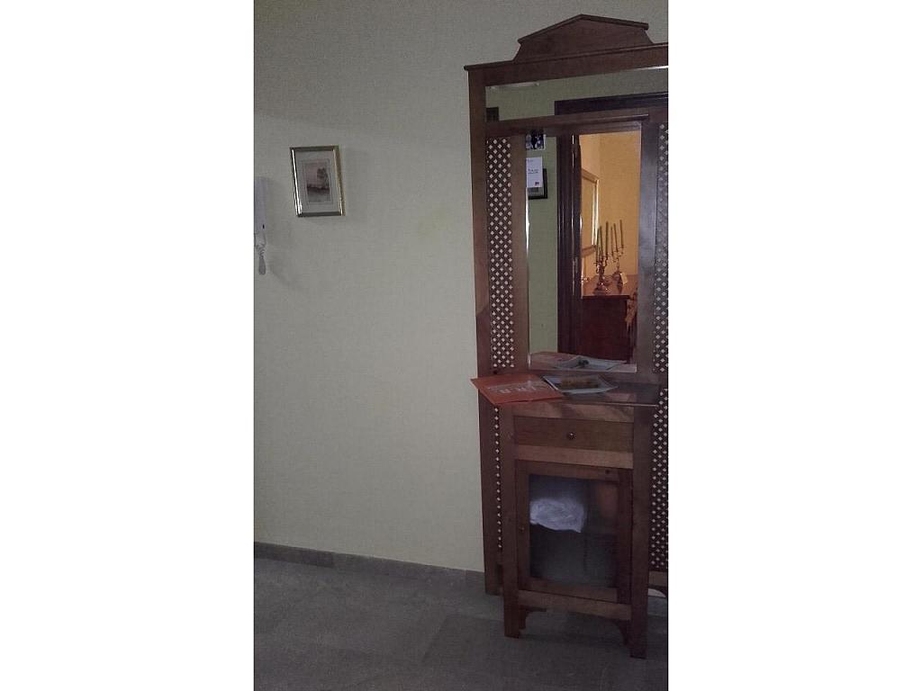 Piso en alquiler en calle Escultora Miss Whitney, Huelva - 332137750