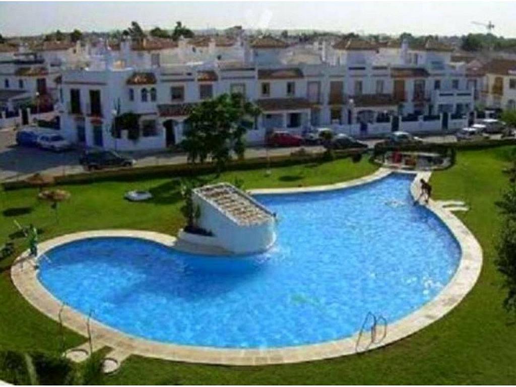 Chalet en alquiler en Chiclana de la Frontera - 326843500