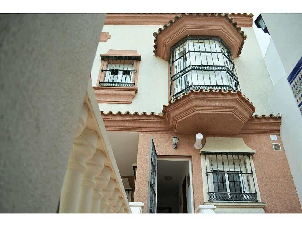 Chalet en alquiler en Chiclana de la Frontera - 368252336