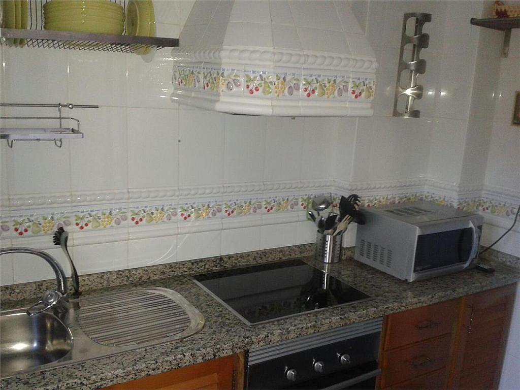 Chalet en alquiler en Chiclana de la Frontera - 368252357