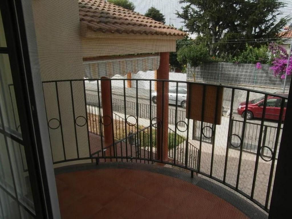 Casa adosada en alquiler en calle Del Marjal, Alcanar - 342846315