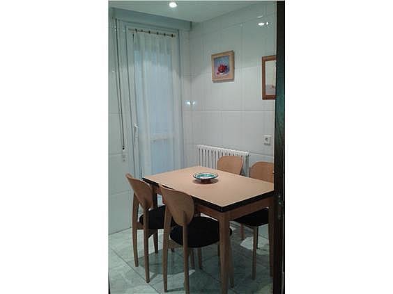 Piso en alquiler en calle Monasterio de Irache, San Juan en Pamplona/Iruña - 316367386