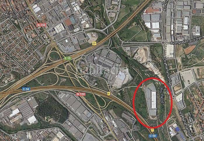 Nave industrial en alquiler en calle De la Verneda, Ripollet - 325254047