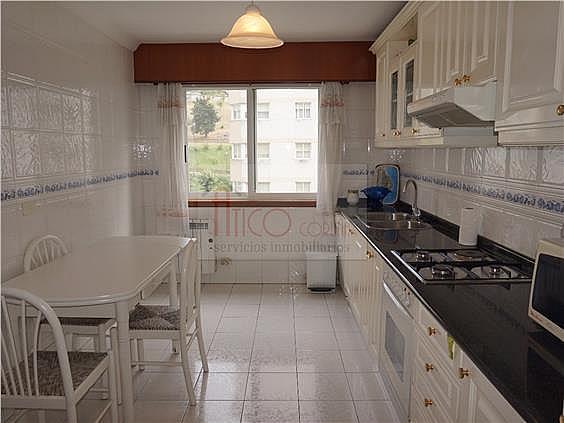 Piso en alquiler en calle Rianxo, Cuatro Caminos-Plaza de la Cubela en Coruña (A) - 322121816