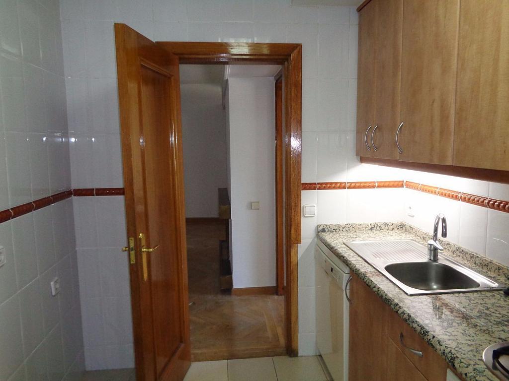 Piso en alquiler en calle Noblejas, Palacio en Madrid - 358648759