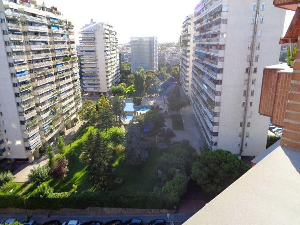 Piso en alquiler en calle De Torrelaguna, San Pascual en Madrid - 325753479