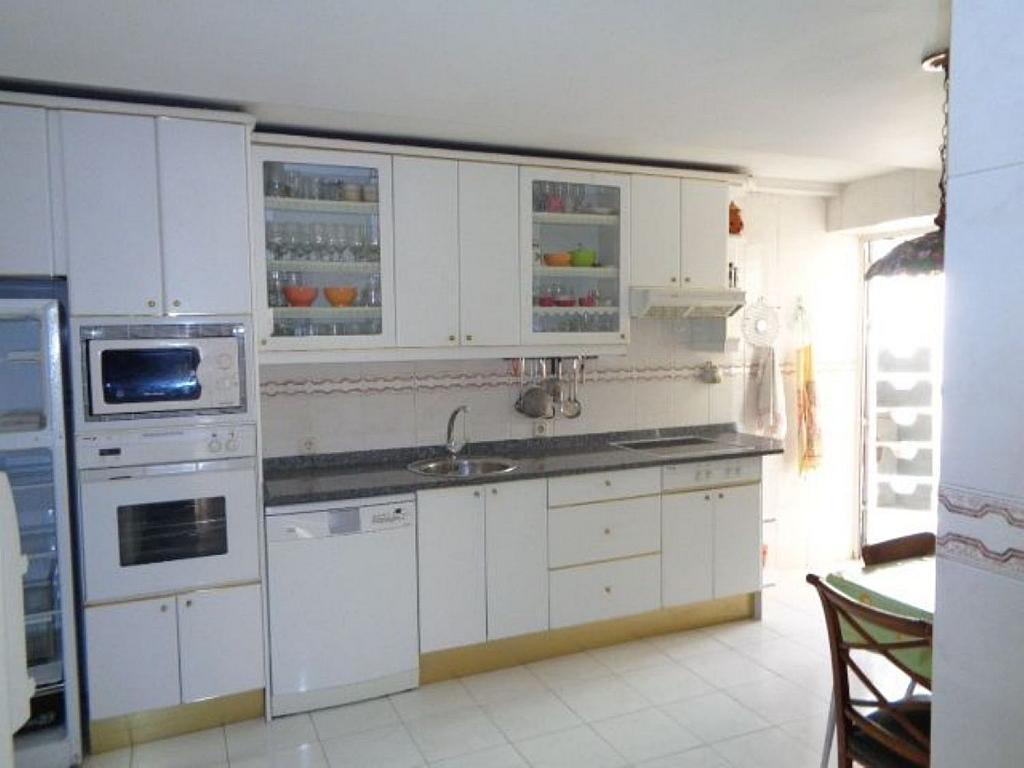 Piso en alquiler en calle Del Capitán Haya, Tetuán en Madrid - 325843207