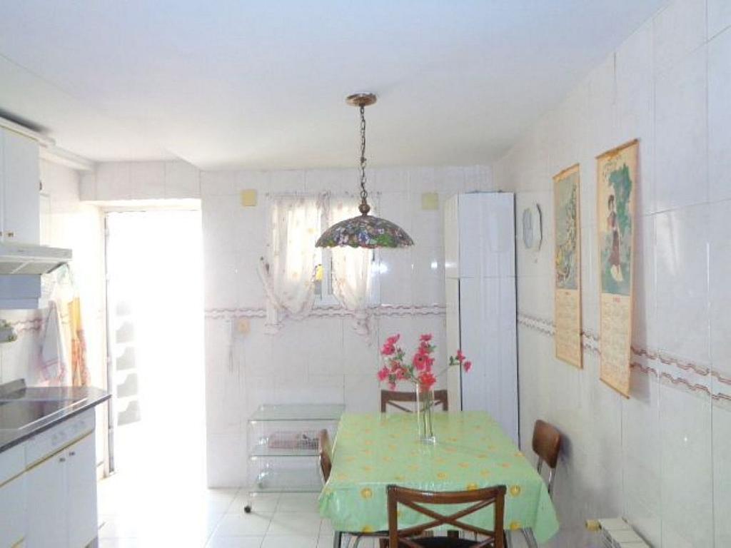 Piso en alquiler en calle Del Capitán Haya, Tetuán en Madrid - 325843210