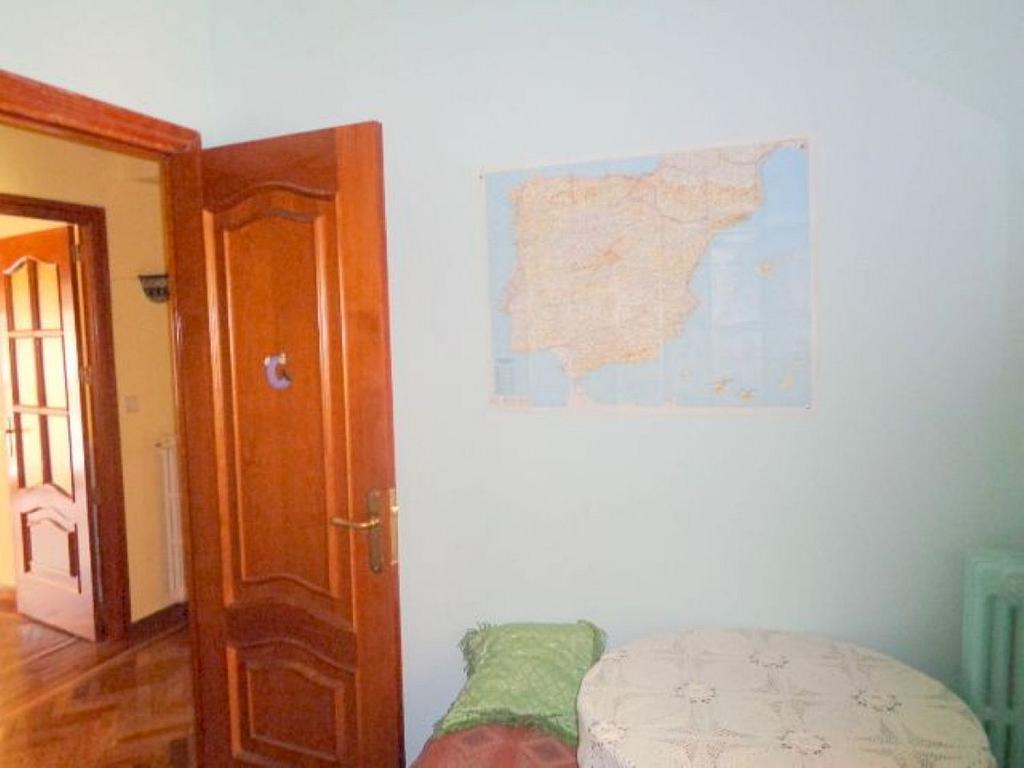 Piso en alquiler en calle Del Capitán Haya, Tetuán en Madrid - 325843237