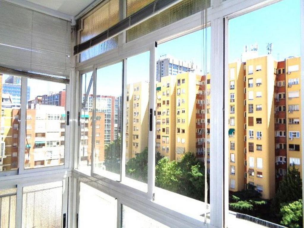 Piso en alquiler en calle Del Capitán Haya, Tetuán en Madrid - 325843267